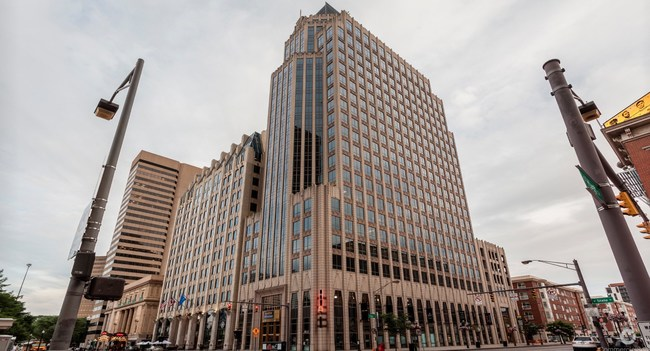 Fifth Third Center will be home a 14,000 square foot Serendipity Labs Coworking owned and operated by Renascent Hospitality. On the corner High Street and E. State Street, the workplace will open the summer of 2017. (Photo: Rick Buchanan Photography, Columbus, OH)