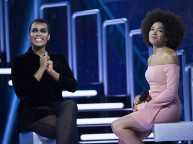 Evicted second chance houseguest Gary Levy of Toronto, Ontario and host Arisa Cox watch Gary's goodbye messages from the Big Brother Canada houseguests (CNW Group/Global Television)