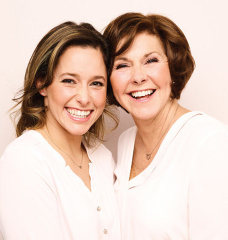 Models mother-daughter, Stefanie Ouellet and Sylvie Champagne, are two pharmacists owners affiliated to Familiprix (CNW Group/Familiprix)