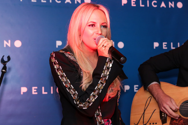 Samantha Jade performed at the BrandSnob Relaunch in Sydney's Double Bay.
