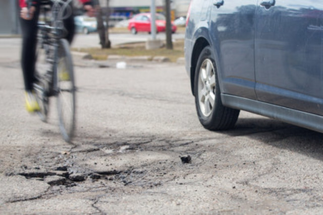 The CAA Worst Roads campaign is an opportunity for Ontarians to share insights on congestion, cycling and pedestrian infrastructure challenges, signal timing and confusing road signs. (CNW Group/CAA South Central Ontario)