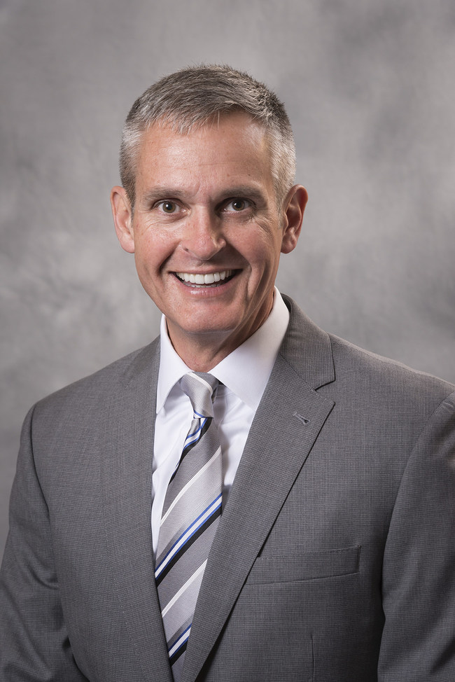 Smart & Final has named Derek Jones as the new president of its Cash & Carry Smart Foodservice division.