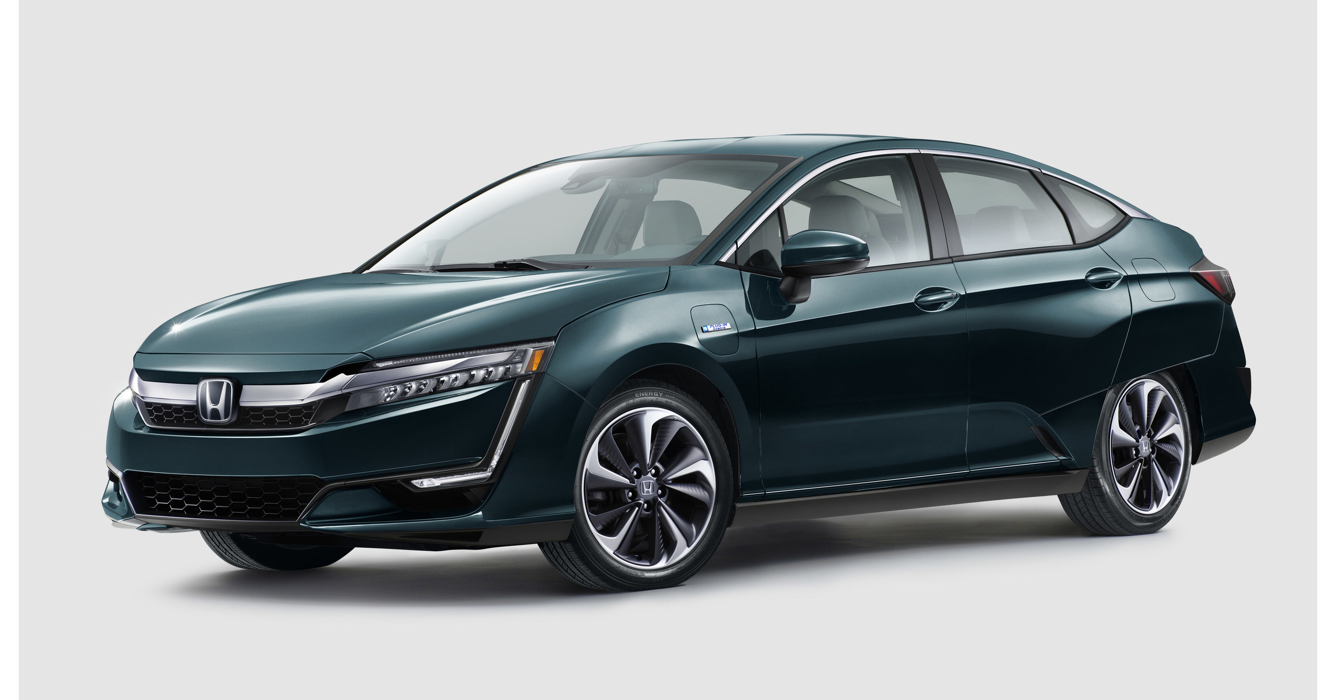 Honda electrified clarity plug in hybrid and clarity electric unveiled at 2017 new york