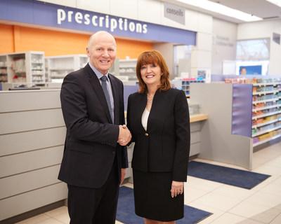 Sur la photo: Philippe Duval, président et chef de la direction de Uniprix et Paula Keays, présidente de McKesson Canada (Groupe CNW/MCKESSON CANADA)