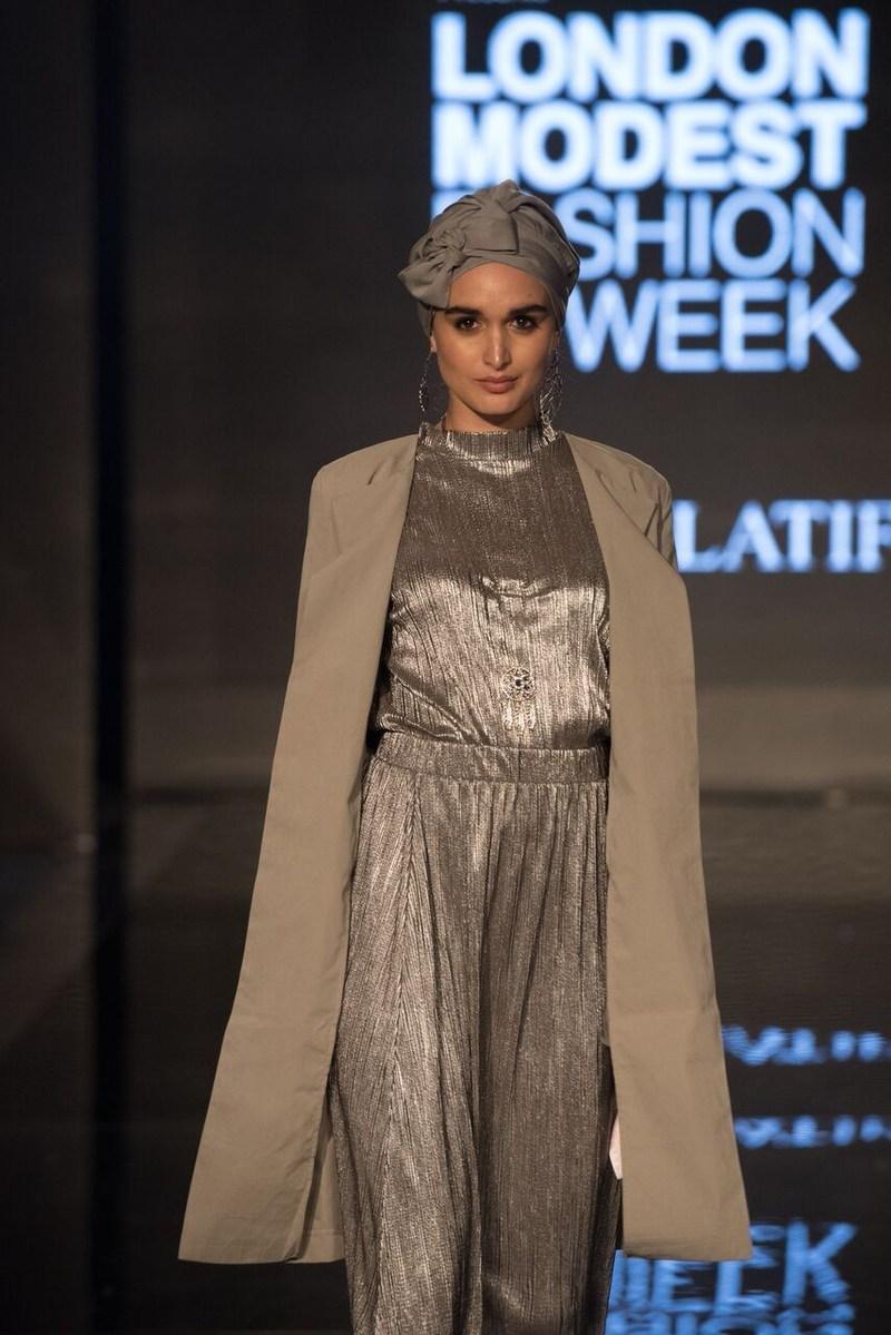 Elegance personified in this outfit by Norwegian headwear designer Helen Latifi at Modanisa London Modest Fashion Week 2017