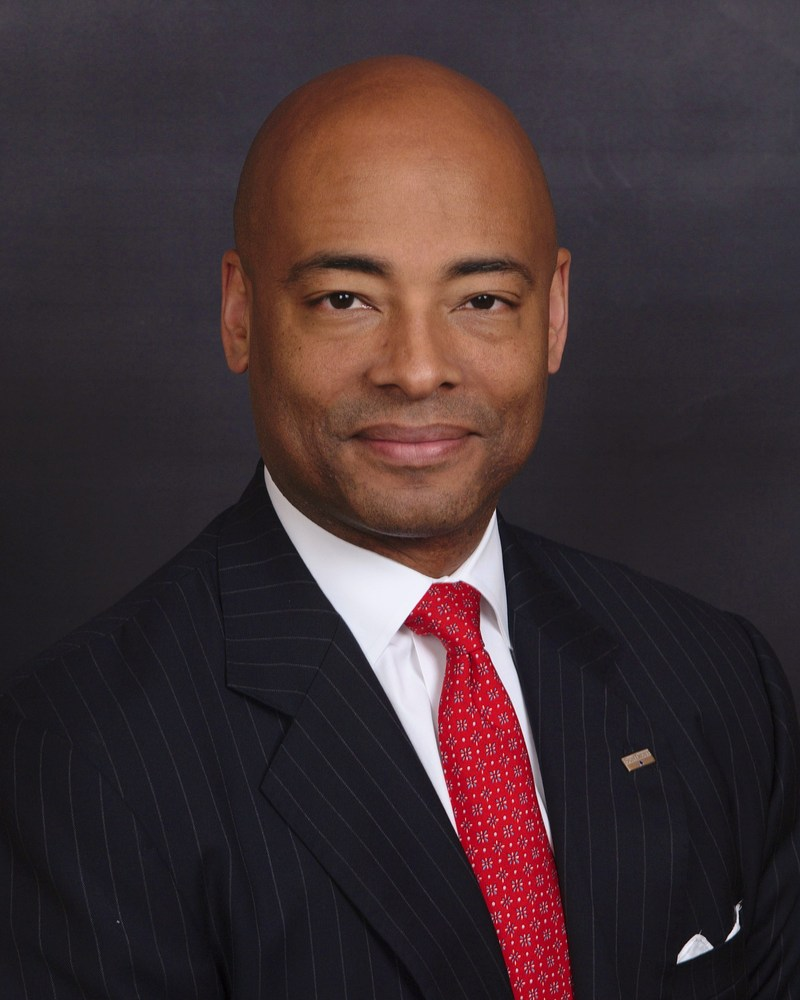 SunTrust Banks, Inc. (NYSE: STI) has promoted Arnold Evans to a newly created position as enterprise ethics officer.