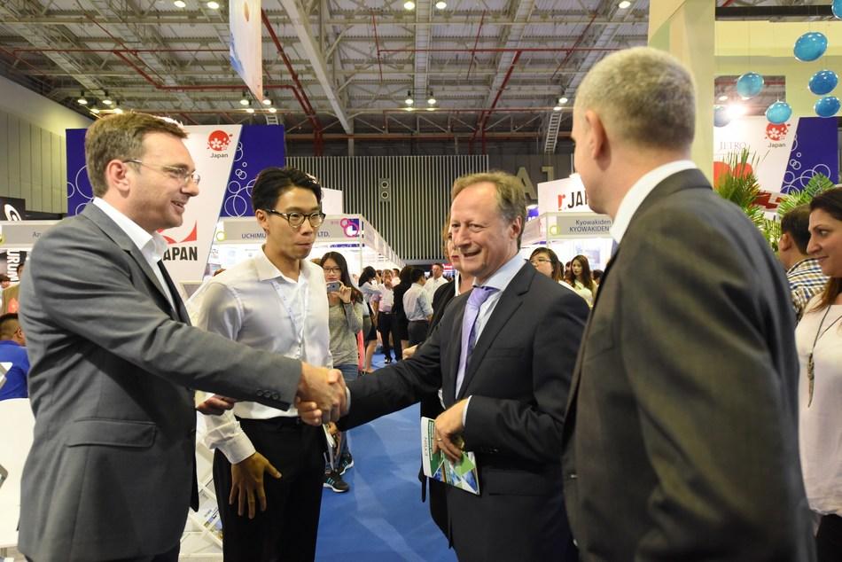 RE & EE Vietnam 2016 Networking