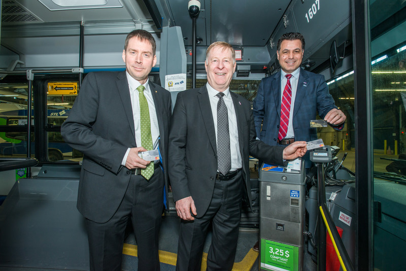 From left to right: Mr. André Chatelain, Executive Vice-President, Personal Services, Payments and Desjardins Group Marketing, Mr. Marc Demers, Mayor of Laval, Mr. David De Cotis, President of the STL's Board of Directors (CNW Group/Société de transport de Laval)
