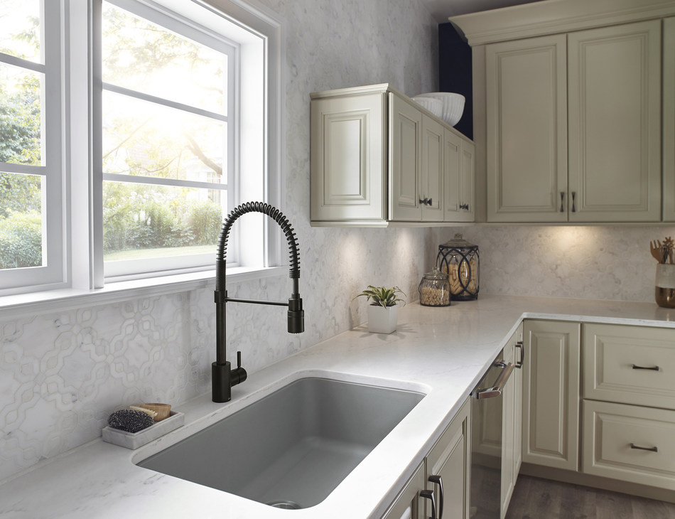 The Foodie Noir from Danze adds a hard-working, stylish faucet (in Satin Black) to this main kitchen sink.
