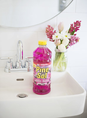 Pine-Sol multi-surface cleaners help keep your entire house clean with a variety of fresh scents. Spring Blossom, a new floral scent from Pine-Sol, was inspired by a fragrant spring bouquet. (CNW Group/Pine-Sol)