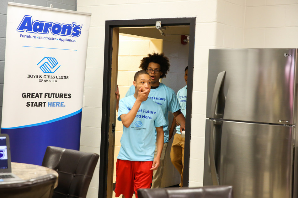 """Aaron's, Inc., a leading omnichannel provider of lease-purchase solutions, and its divisions Aaron's and Progressive Leasing, surprised teens on Wednesday with a newly renovated Keystone Teen Center at the U.S. Bank Boys & Girls Club of Cincinnati. As part of Aaron's three-year, $5 million partnership with Keystone, which inspires teens to """"Own It"""" by taking ownership of their choices to build the lives they deserve, Aaron's associates have remodeled 20 Keystone Teen Centers across the U.S."""