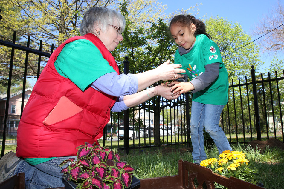 Over 700 volunteers in Connecticut will make change happen during Comcast Cares Day.