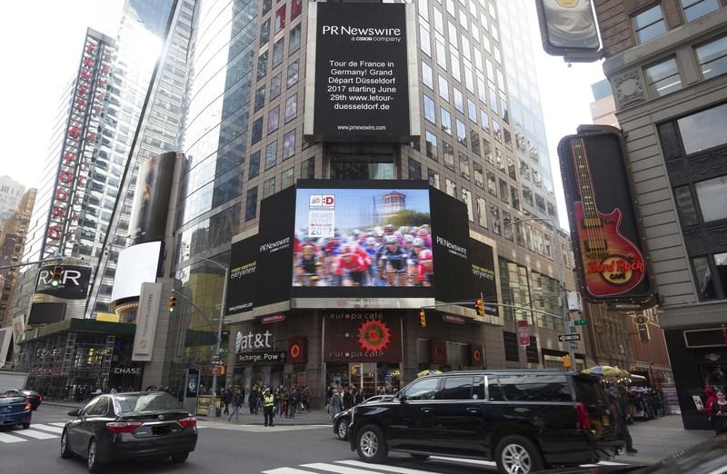 Grand Depart Dusseldorf 2017 at New York Times Square, (c) Landeshauptstadt Dusseldorf/PR Newswire (PRNewsfoto/Landeshauptstadt Dusseldorf)