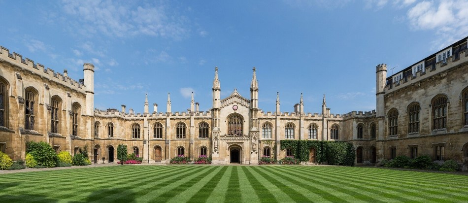 """Blockchain Startup Humaniq is launching an innovation office in Cambridge and co-organized the Workshop """"AI and Blockchain for Social Good"""" at Judge Business School, University of Cambridge (PRNewsfoto/Humaniq)"""