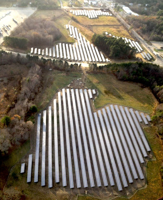 The photovoltaic solar installations at Manheim New England produce enough energy to annually power more than 400 homes and prevent 3,005 tons of carbon from entering the environment.