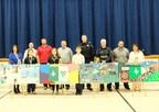 Les Services de police du Canadien Pacifique (SPCP) et la ville de Hamilton se sont joints à des élèves de l'école primaire Notre Dame aujourd'hui pour annoncer le projet Lifesaver Park Painting Project. (Groupe CNW/Canadien Pacifique)