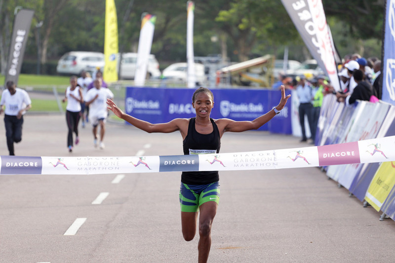 Diacore Gaborone Marathon Welcomes De Beers Youth Innovators Botswana Initiative (PRNewsfoto/Diacore)