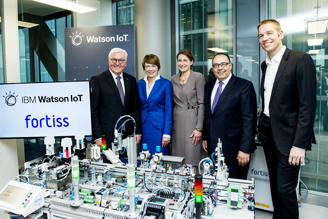 Federal President of Germany Frank-Walter Steinmeier and First Lady Elke Büdenbender visiting the industry's first cognitive collaboratories at IBM's global Watson Internet of Things (IoT) headquarters in Munich. Joining them are General Manager of IBM DACH Martina Koederitz, Head of Watson IoT Center Niklaus Waser and Professor Helmut Krcmar of fortiss, the latest collocation partner at the center. (PRNewsfoto/IBM)