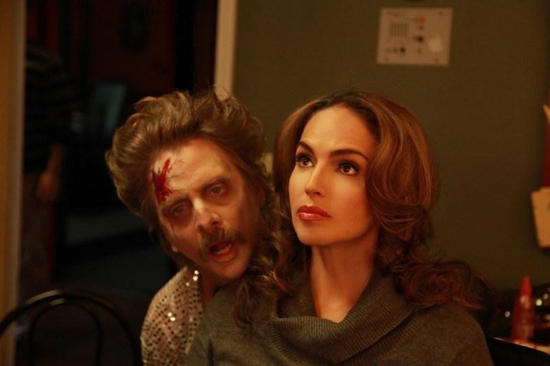 Character Amanda (Isabel Cueva) and David (Paul Cuneo)