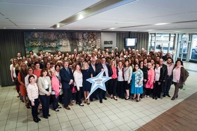 Transat annonce un engagement à hauteur de 500,000$ au profit de l'Institut de recherches cliniques de Montréal pour la recherche sur le cancer du sein. (Groupe CNW/Transat A.T. Inc.)