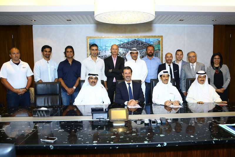 Seated from left: Mohammed Jassim Khalid Al Marzouq, Chairman of Tamdeen Group; Patrick Mouratoglou, Founder & President, Mouratoglou Tennis Academy; Ahmed Sarawi, CEO, Tamdeen Shopping Centers Co and Sheikh Ahmed Al-Jaber Al-Abdullah Al-Sabah, President of Kuwait Tennis Federation, along with key representatives from all three organizations (PRNewsfoto/Tamdeen Group)