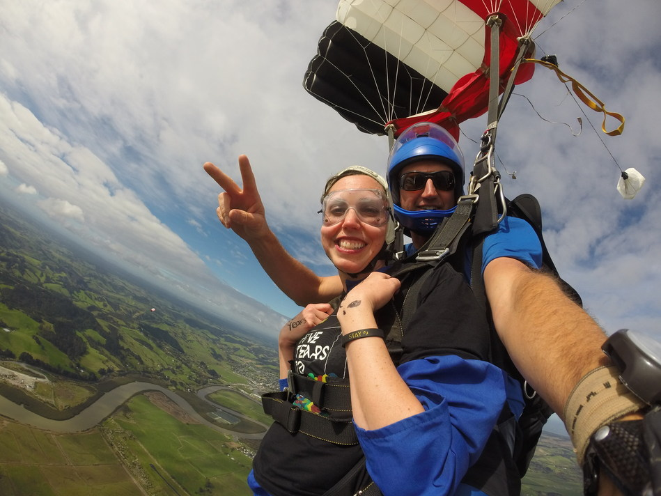 American masters basketballer Melanie Day skydives in Auckland