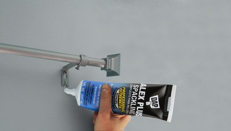 ALEX Plus Spackling is easy to apply, sands to a smooth finished surface, and creates the superior paintability pros need for a finished repair that seamlessly blends with the surrounding area. Providing exceptional strength that can withstand driving a nail without damage, homeowners can count on durable results that will last for years to come.