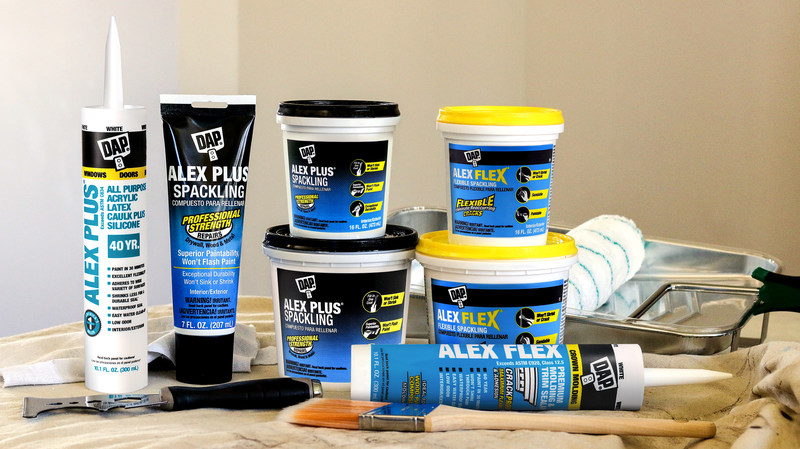 New ALEX Plus® and ALEX Flex® Spackling provide unsurpassed performance for filling holes and cracks on surfaces throughout the home with exceptional durability.