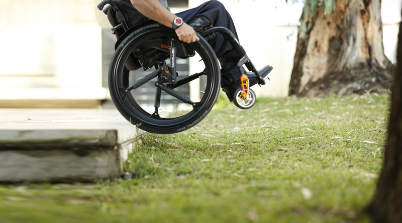 SoftWheel empowers manual wheelchair users to navigate painlessly down stairs and off curbs. (CNW Group/Permobil Canada)