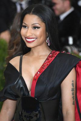 Nicki Minaj in H&M