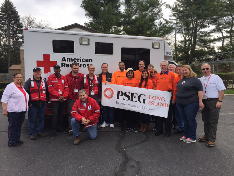 PSEG Long Island employees volunteer with the American Red Cross to go the extra mile and give back to communities across LongIsland and the Rockaways.