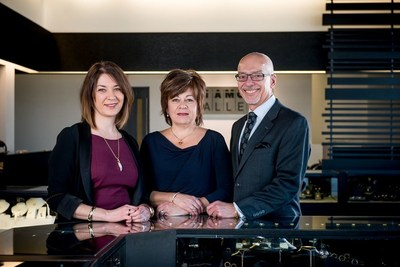 Winnipeg's Diamond Gallery named 2017 Independent Retailer of the Year. (CNW Group/Retail Council of Canada)
