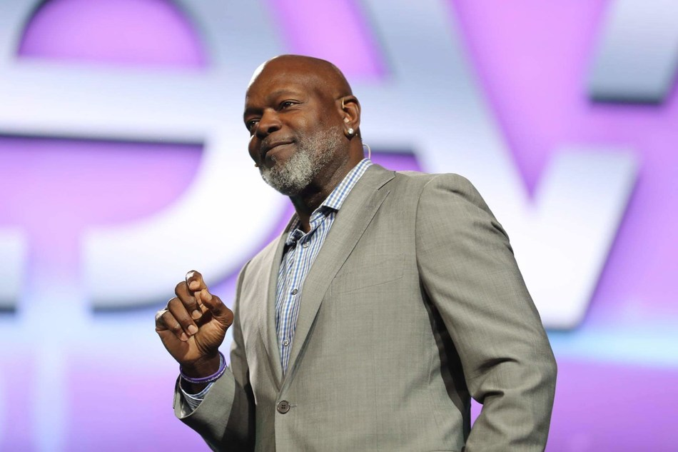 Three-time pro football MVP and all-time leading rusher Emmitt Smith, who spent 13 seasons with the Dallas Cowboys, speaks to a sold-out crowd during Le-Vel's Live Ultimate Party.