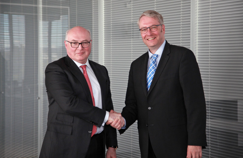 Patrick Koller, CEO of Faurecia (left) and Dr. Stefan Sommer, CEO of ZF (right)