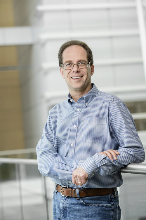 Dr. Samuel Weiss (CNW Group/Canadian Institutes of Health Research)