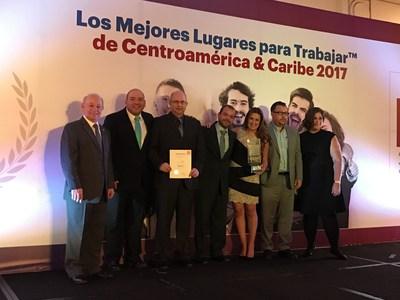 El equipo de SC Johnson Centroamérica celebra su primer lugar en la edición 2017 de los Mejores Lugares Multinacionales para Trabajar (PRNewsfoto/SC Johnson)