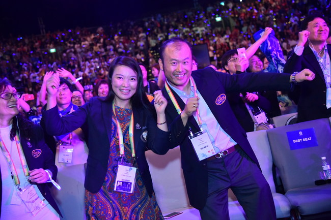 USANA's Associates are excited about new products and technology announcements.