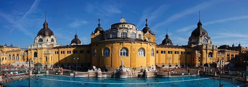 The iconic building of Széchenyi Thermal Baths in Budapest (PRNewsfoto/Budapest Spas cPlc)