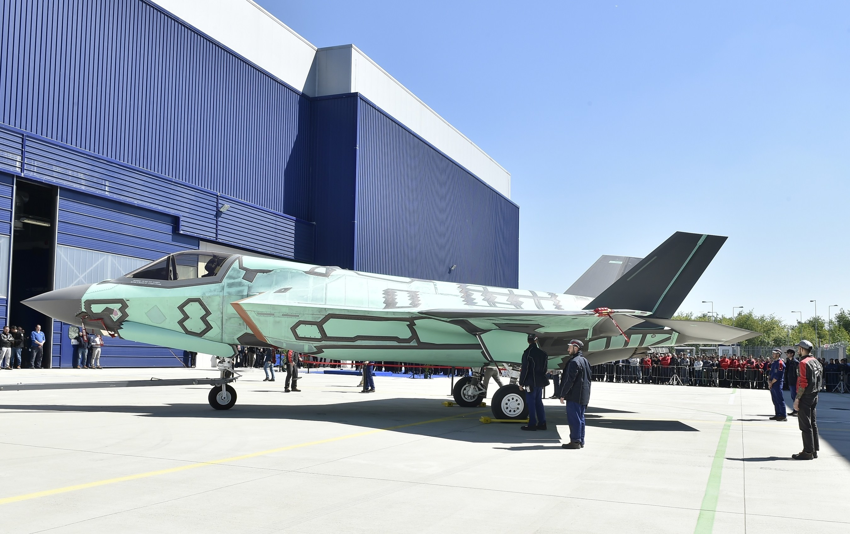 First italian built f 35b 39 rolls out 39 of cameri production for Italy b b