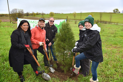 Volunteers in York Region were joined by (left to right) Christine Dawson, TD Friends of the Environment ...