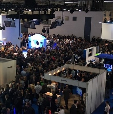 A large crowd at ESTRO 36 in Vienna witnessed the unveiling of Varian's new Halcyon™ treatment system.