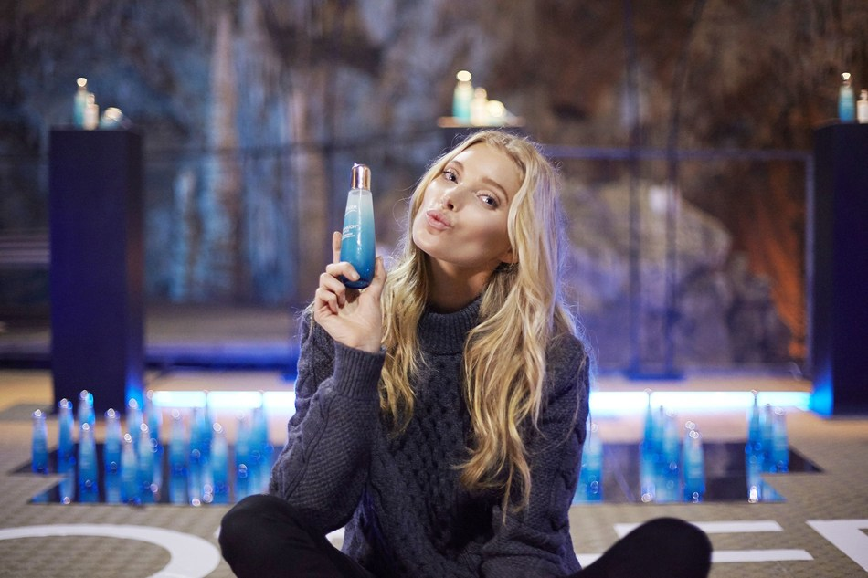 Elsa Hosk unveiling one of the best kept beauty secrets of our times: Life PlanktonTM, which is a key ingredient in Biotherm products and in the iconic Life Plankton Essence product, a fundamental treatment for a newborn skin in eight days (PRNewsfoto/Biotherm)
