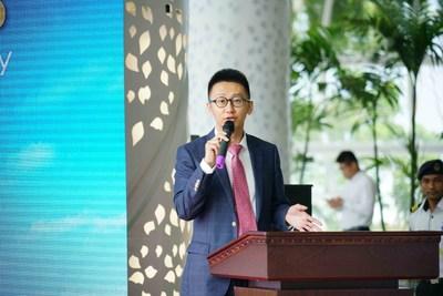 Yu Runze, directeur de la stratégie de Forest, en train de prononcer un discours (PRNewsfoto/Country Garden Holdings)