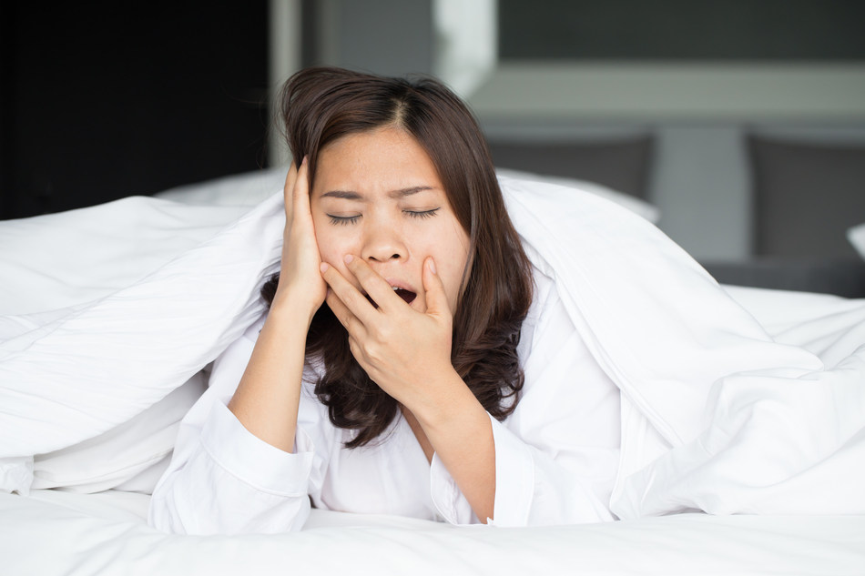 According to the Better Sleep Council, nearly half of American adults believe that a person can catch up on lost sleep over the weekend. In reality, you can't.