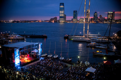 Lowdown Hudson Music Fest on the picturesque Waterfront Plaza at Brookfield Place. (CNW Group/Arts Brookfield)