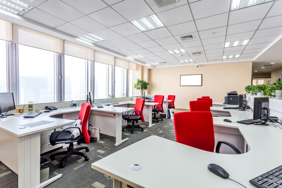 Flexible workspaces lead to better team collaboration, more innovation, and more knowledge-sharing while decreasing office space costs.