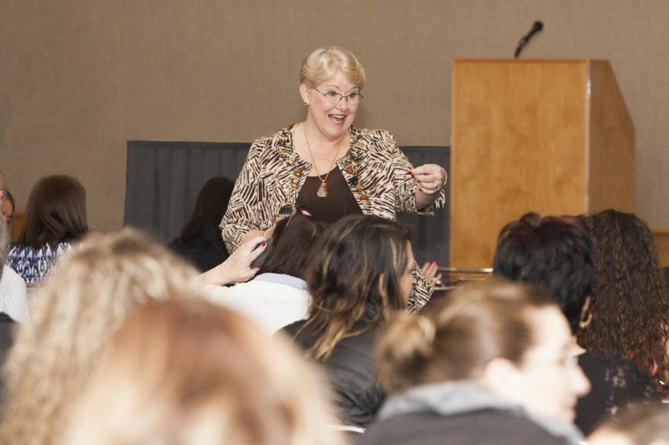 USA Dental Speaker, Cindy Ishimoto, at the Oregon Dental Conference this past April 2017 (CNW Group/Cindy Ishimoto)