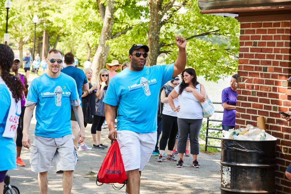 Participants at the 2016 1 Million Steps 4 OCD Walk at Jamaica Pond in Boston.