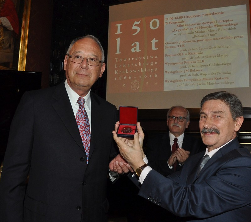 Thomas Spray, MD, chief of cardiothoracic surgery at Children's Hospital of Philadelphia and a leader in the surgical treatment of congenital heart defects, was decorated with the Plus ratio quam vis medal by the Jagiellonian University in Poland, the oldest university in Poland, the second oldest university in Europe and one of the oldest universities in the world.