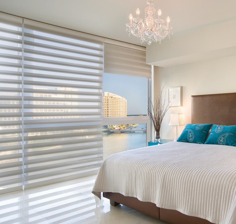 The Top-Down/Bottom-Up feature on Duette® honeycomb shades offers a more versatile approach to light control. Open from the top, from the bottom, or find somewhere in-between–for the perfect balance of privacy and light (CNW Group/Hunter Douglas)